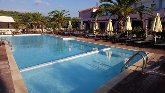 Vatera, Grecja: Havuz ve otel görüntüsü