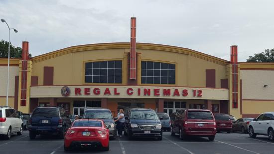 Regal American Mall Stadium 12