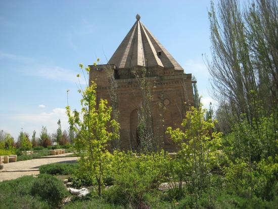 Aisha Bibi Mausoleum