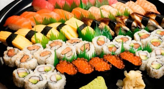 Japanese Fusion Kitchen: Обилие ролов и суши