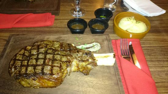 Steak Company: Tomahawk