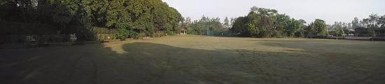 Garhmukteshwar, Indie: lawn