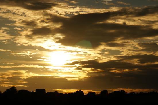 Collelungo, Italia: de beaux couchers de soleil