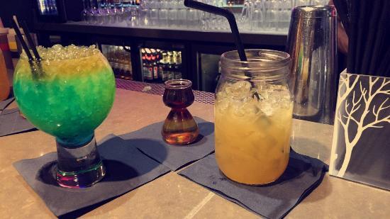Nuvo Bar & Restaurant: photo0.jpg