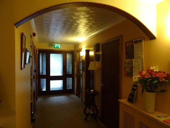 Lynver Guest House