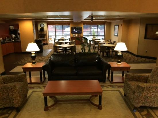 Wingate by Wyndham Columbia / Ft. Jackson: Lobby Sitting Area