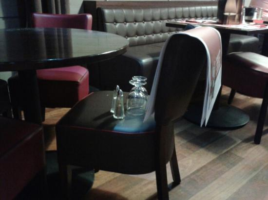 Illzach, France: Si ton verre sent l'a.us c'est que tu es chez hipopotamus