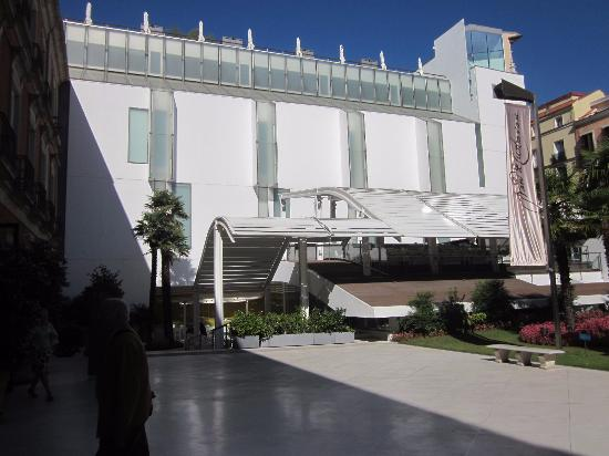 Courtyard with view of restaurant - Picture of Thyssen ...