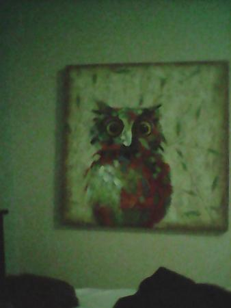 Paul's Motor Inn : What is this owl on? Its in every room right beside the bed, sweet dreams!