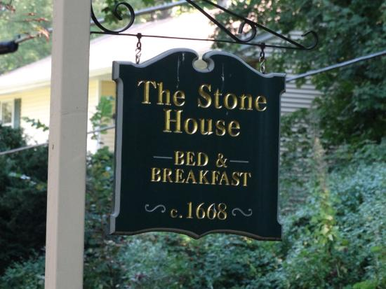 The Stone House Bed and Breakfast: Older establishment
