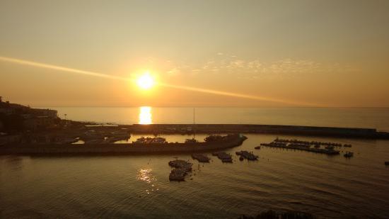 Hotel Cala Luna: Sunrise from the hotel balcony