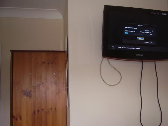 Carlton Lodge: LA TV