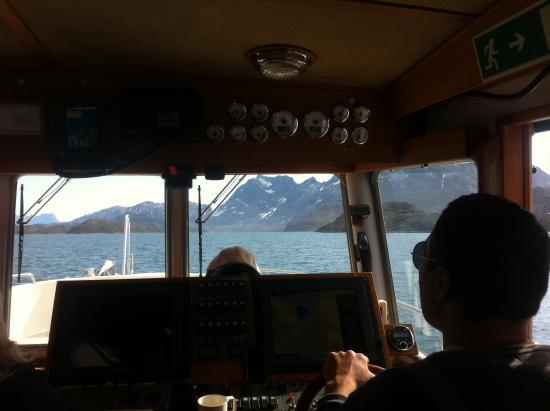 Maniitsoq, Greenland: Polite skipper.