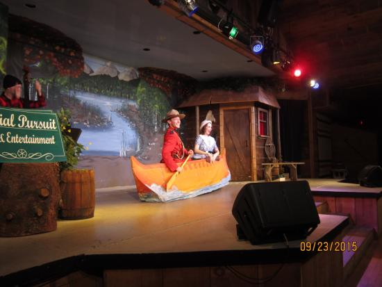 Pleasing Oh Canada Eh Picture Of Oh Canada Eh Dinner Theatre Unemploymentrelief Wooden Chair Designs For Living Room Unemploymentrelieforg