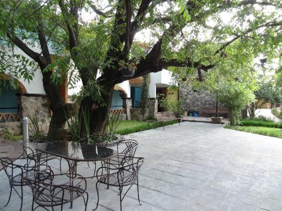 Hotel Plaza Rubio: JARDINES