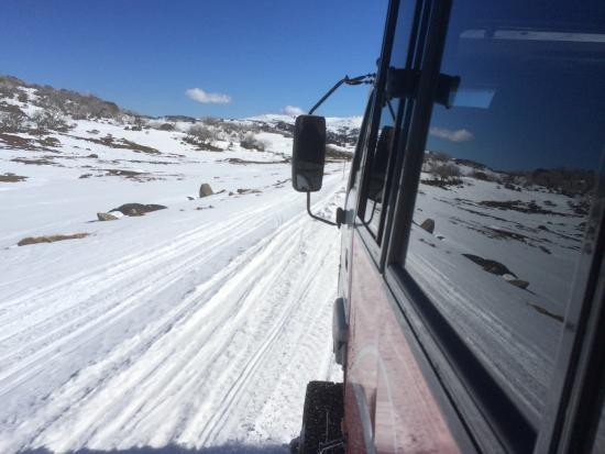 Charlottes Pass, Australien: Even the trip to the resort is an adventure