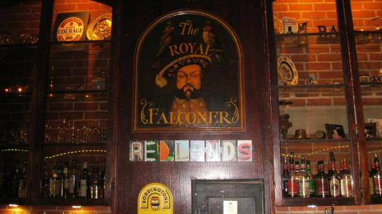 Royal Falconer British Pub