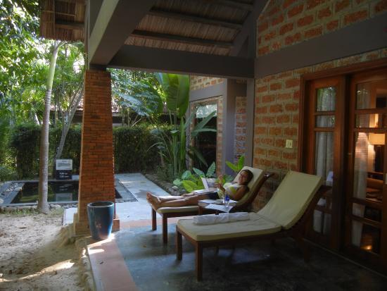 Pilgrimage Village: Honeymoon Pool Hut Private Patio