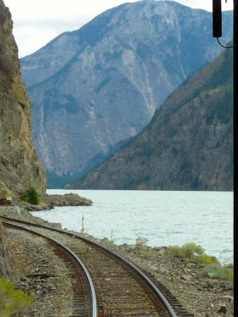 Lillooet, Canadá: Views along Seton Lake from the Kaoham Shuttle