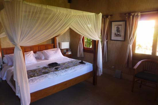 Three Monkeys Villas: Bedroom
