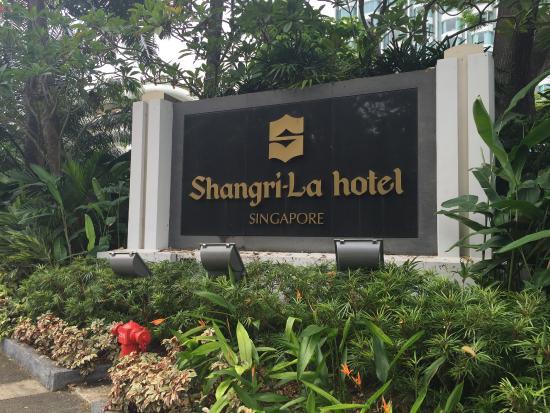 Swimming Pool Picture Of Shangri La Hotel Singapore Singapore Tripadvisor