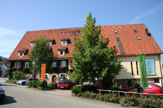 Gutshof - Hotel Waldknechtshof: Waldknechtshof in Baiersbronn