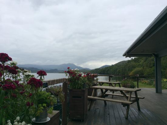 Loch Venacher Harbour Cafe: view from the deck of the restaurant even on a cloudy day its breathtaking
