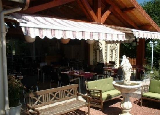 La Terrasse Sur Jardin - Photo de Restaurant Le Relais ...