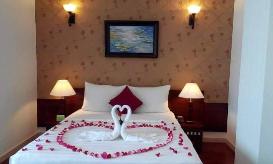 Asian Ruby Luxury Hotel Honeymoon Room