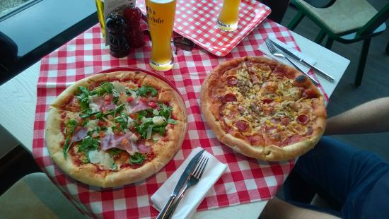 pizza 34cm bild von restaurant piazza warnem nde tripadvisor. Black Bedroom Furniture Sets. Home Design Ideas