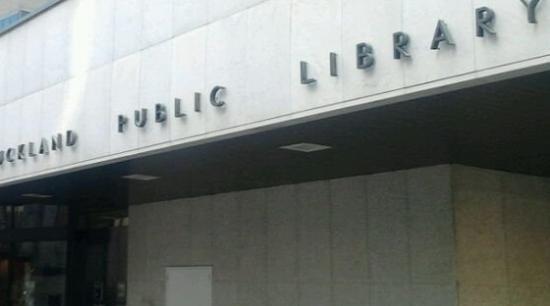 Auckland National Library Centre: AKL 図書館