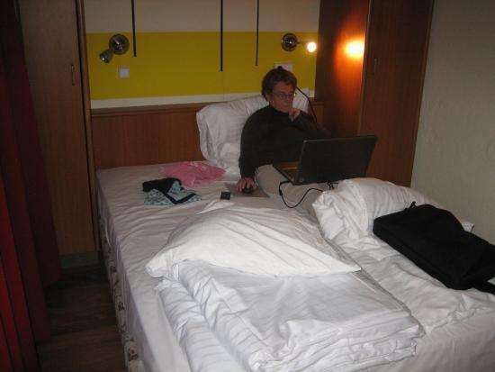 Hotelkamer? Slaapkamer in stacaravan is groter. - Bild von City ...