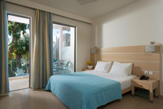 Corissia Beach Hotel: Double room