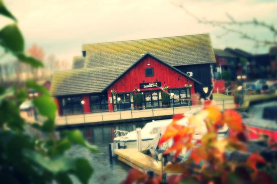 Lock & Quay Bar & Restaurant