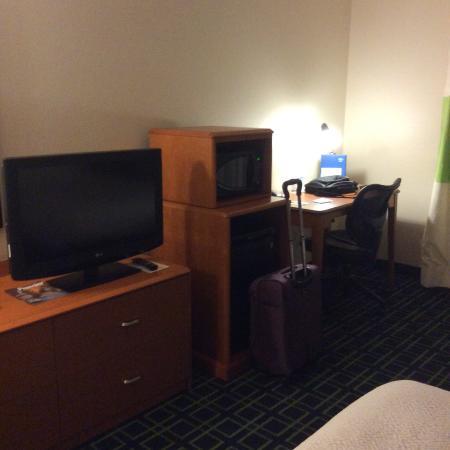 Fairfield Inn & Suites Columbus West/Hilliard: Bedroom