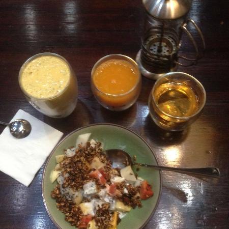 mood food energy cafe granola breakfast