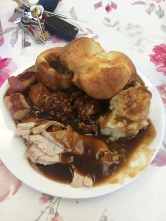 Now That S What You Call A Proper Sunday Lunch Can T Beat Home