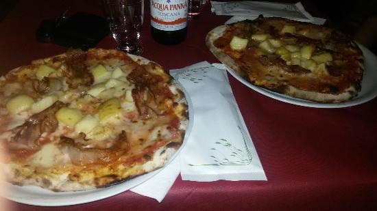Villanovaforru, Italia: La specialità della casa. frequento ormai da anni il locale e ho sempre trovato di gusto. Pizza