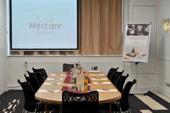 Hotel Mercure Monty Opera  Rue De Montyon  Paris