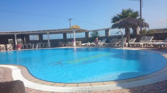 Golden Sun Hotel: η πισινα του ξενοδοχειου