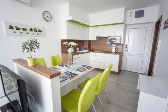 Zöld apartman - Rubin ház - Zafir Apartmanhaz, Sárvár fényképe ...