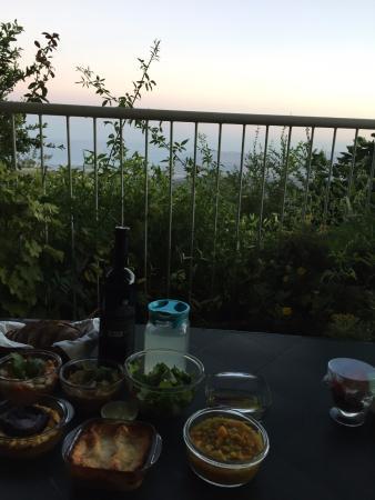 أون - بار جيستهاوس: Dinner with a view - delivered by Chef Alon