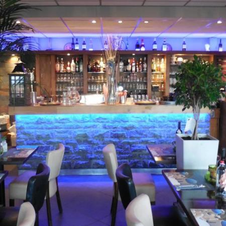 Mykonos Grieks Specialiteiten Restaurant: inside  Mykonos