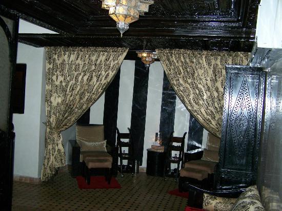 salon picture of les bains de l 39 alhambra marrakech tripadvisor. Black Bedroom Furniture Sets. Home Design Ideas