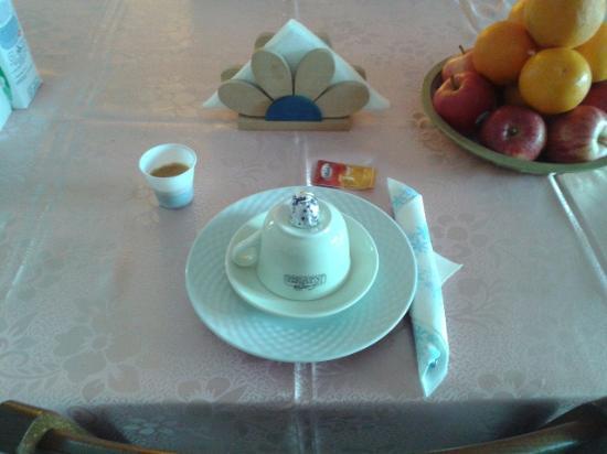 B&B Tre Metri Sopra il Cielo: Mise en place colazione