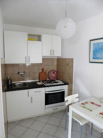 Villa Boro: Küche Ferienwohnung