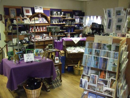 Laxey Woollen Mill and Gallery: The shop