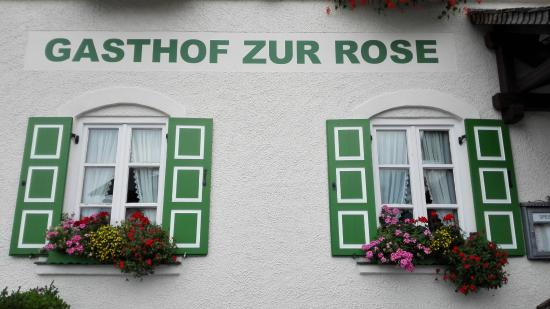 Gasthof Zur Rose : a photo from the front side of the hotel