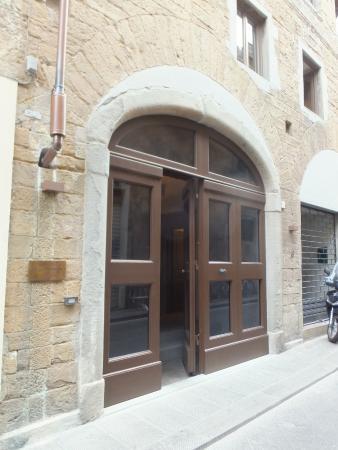 Palazzo Mannaioni Suites: ホテルの入り口。分かりづらいので気をつけて。