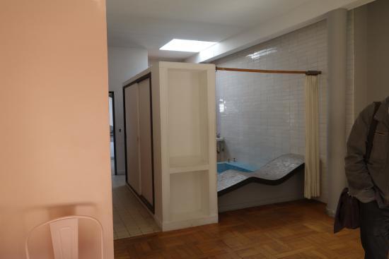 Villa Savoye: Bathroom, Storage And Skylight
